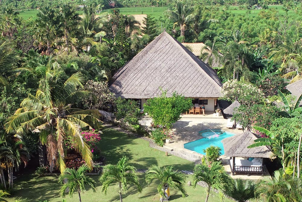 bali-lovina-villa-pantai for rent