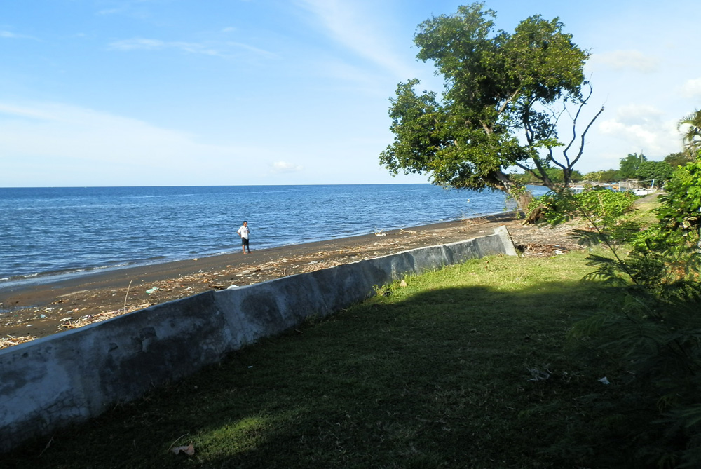 north-bali-beachfront-villa-for-lease