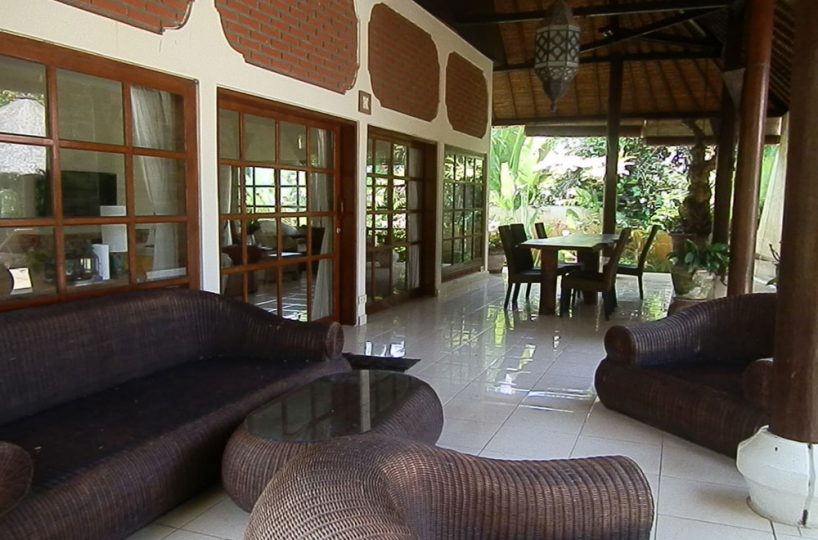 lovina pool villa for rental with therrace